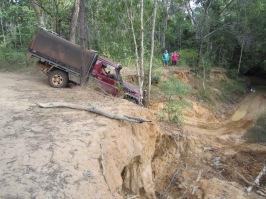 Max tackles Palm Creek crossing