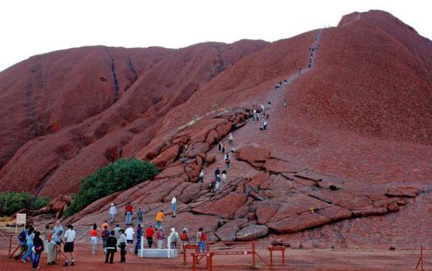 Uluru climbers